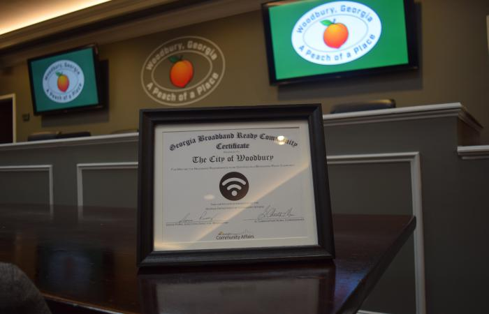 Woodbury mayor lauds partnerships for successful Broadband designation